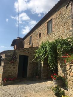 tuscan-chateau